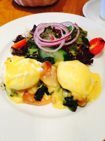 Christopher's a Neighborhood Place : Salmon Benedict - delicious!