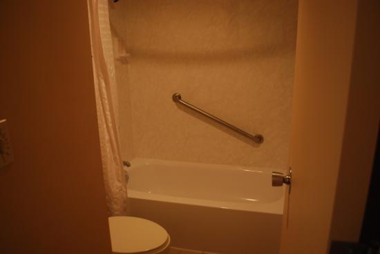 Le Ritz Hotel & Suites: Bathroom 2
