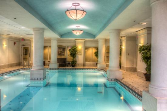 ‪RNR Wellness Spa Fairmont Palliser‬