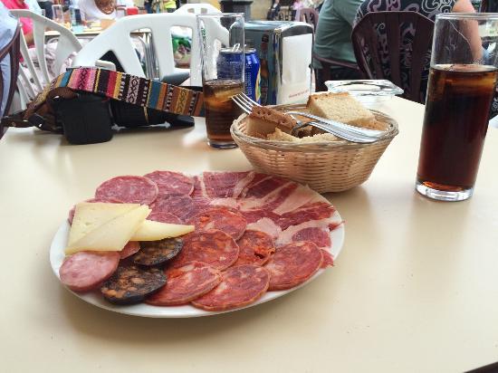 Los Candiles: het bordje 'mixed tapas'