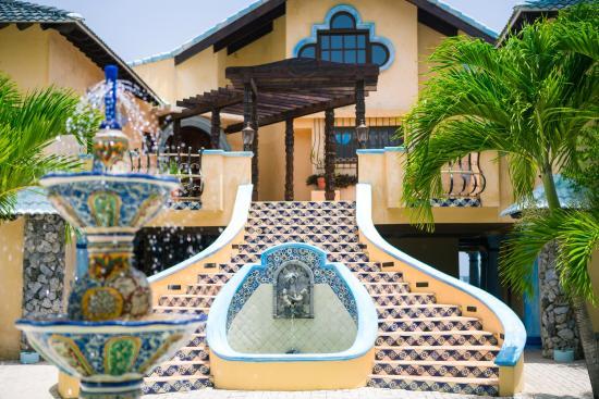 Caribe Tesoro: The entrance staircase