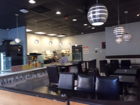 Freeport, NY: Front dining area