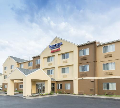 Fairfield Inn Amp Suites Lincoln Hotel 4221 Industrial