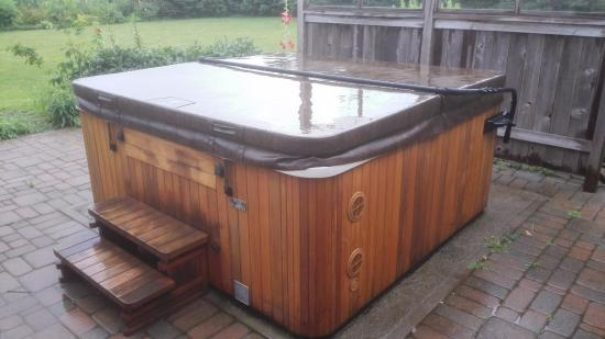 Thamesford, Canada: Verwarmde whirlpool/spa