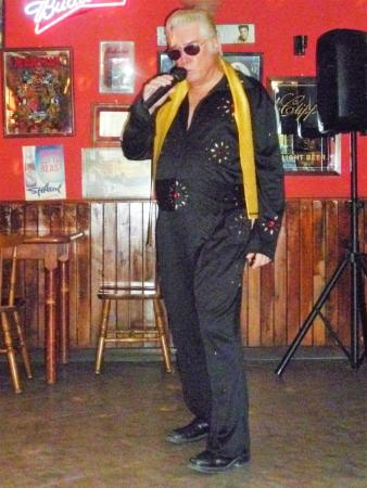 Euroclub Hotel: Billy Ray as Elvis tribute