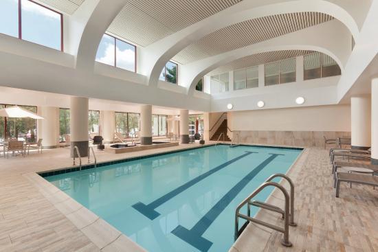 Atrium Lounge Salon Picture Of Embassy Suites By Hilton Boston Waltham Waltham Tripadvisor