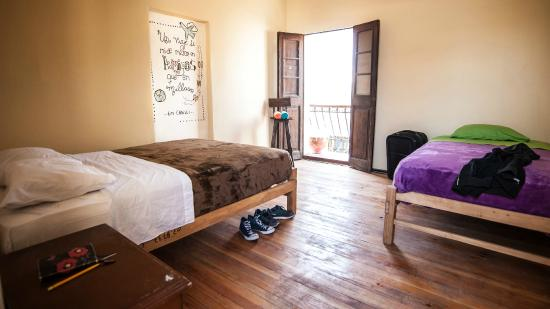 ECONUNAY Hostels