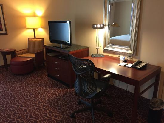 Hilton Garden Inn Houston Energy Corridor: Desk in double room