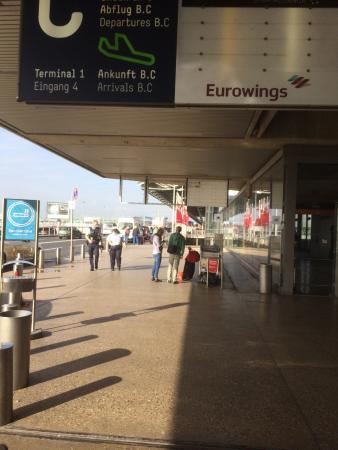 Bonn flughafen abflug koeln Flughafen Köln/Bonn