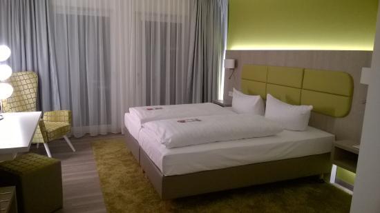 Hotel Am Kaisersaal: Кровать
