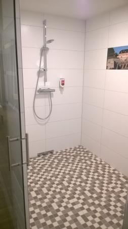 Hotel Am Kaisersaal: Душ