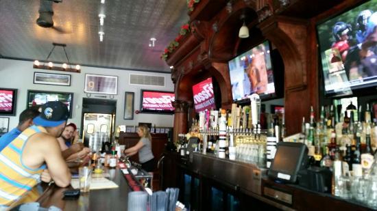 Derby Bar & Grill