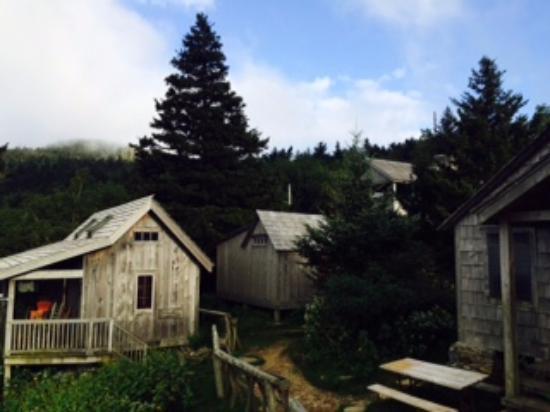 LeConte Lodge: Lodge cabinets