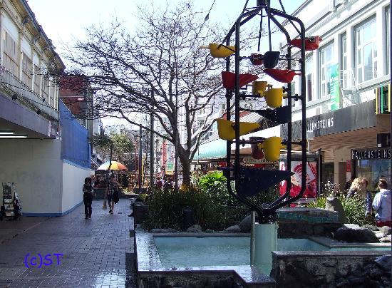 Cuba Street District: Cuba St - Urban street furniture
