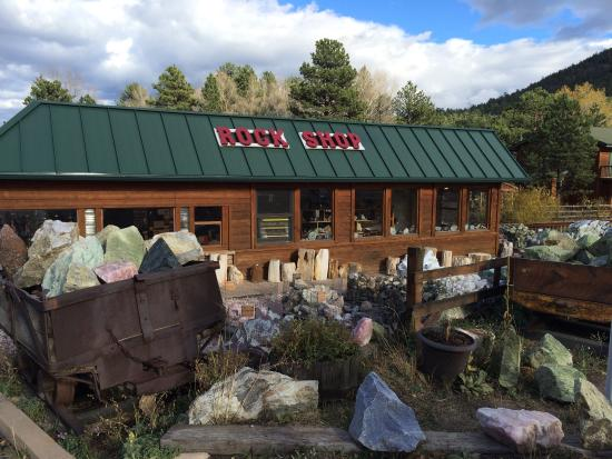 Red Rose Rock Shop & Dick's Rock Museum