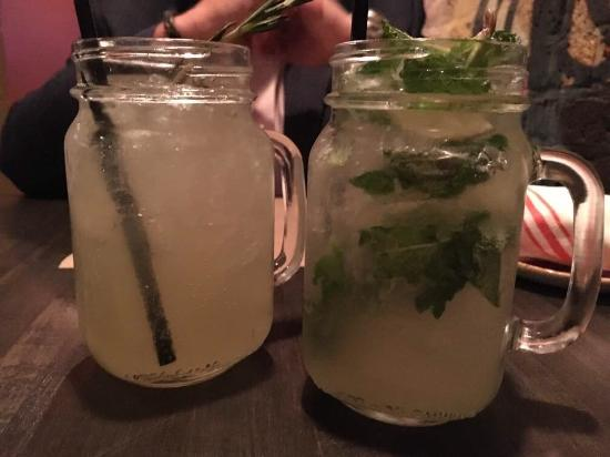 George and Martha's American Grille: Awesome drinks. Food was just outstanding