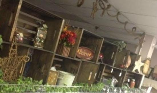 Gate City, VA: We have many Country, Primitive, Rustic, Home Decor Items
