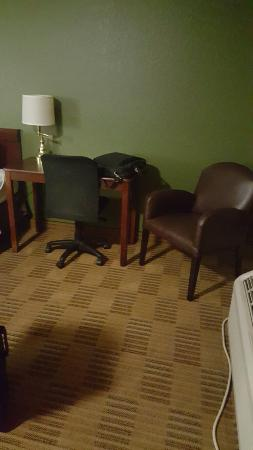 Extended Stay America - Roanoke - Airport : 20151023_205601_large.jpg