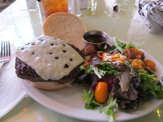 The Green Room Cafe And Coffee House: burger