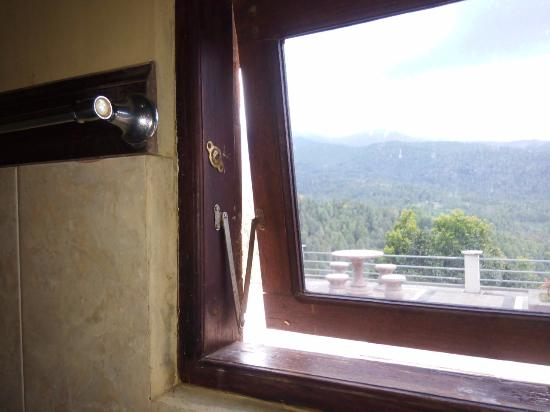 Puri Alam Bali Bungalows: bathroom