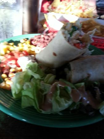 Chicora Alley: Shrimp burrito and Nachos!