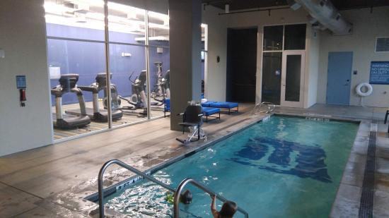 Aloft Houston by the Galleria: Indoor heated pool