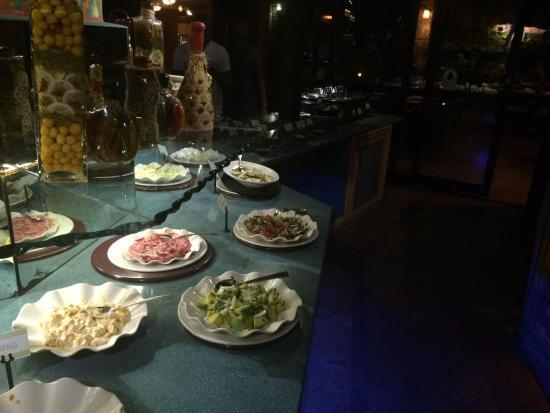 L'aldea: salad bar