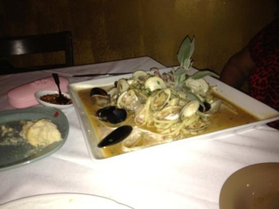 Pasta Italia: Linguini di Mare