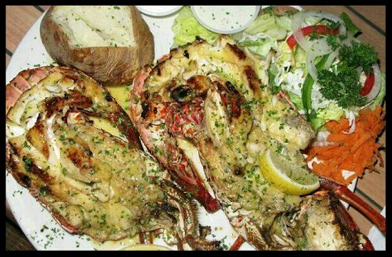 The Boathouse Restaurant: Hurricane Shrimp - Tropical Storm to Category 5!!!  Best Mojito's on St. Maarten.  Best Conch Ch