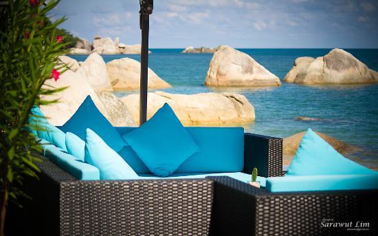 Royal Beach Boutique Resort & Spa: Sofa by the Beach Royal Beach Samui