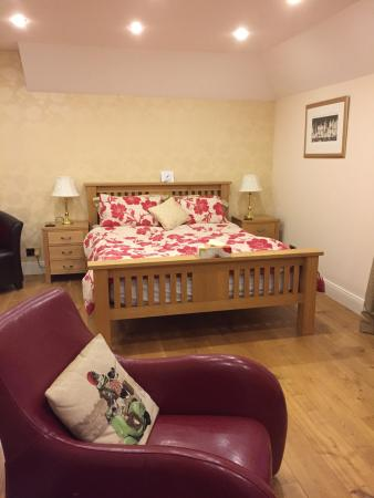 West Haugh Farm House Bed & Breakfast