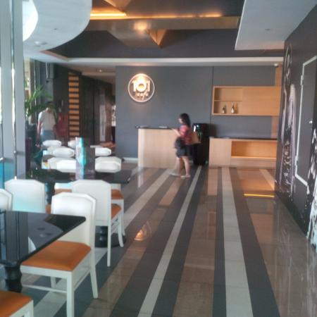 Cafe 101 Picture Of The 1o1 Jakarta Sedayu Darmawangsa
