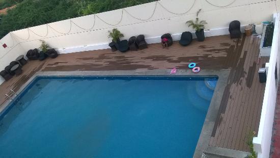 Pool picture of poppys hotel madurai madurai tripadvisor for Quick pool obi