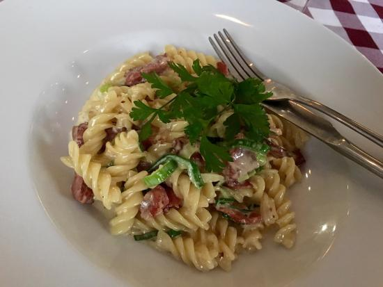 vinopasta: Great pasta that was cooked to perfection. The way the personnel let us customize our dishes eve