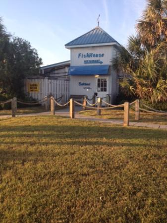 Fish house restaurant oak island restaurant reviews for The fish house restaurant
