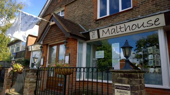 Herstmonceux, UK: Cold Fusion Glass Arts & Gifts @TheMalthouse