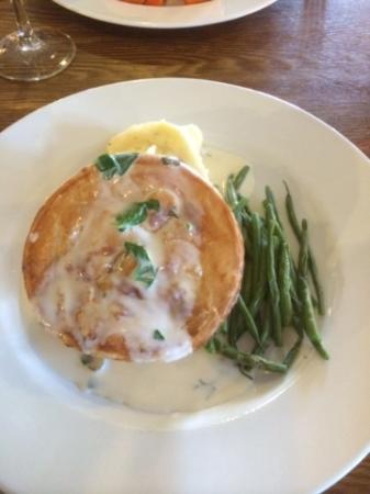 salmon and prawn pie