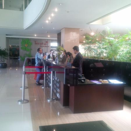 Savana Hotel & Convention : Front office