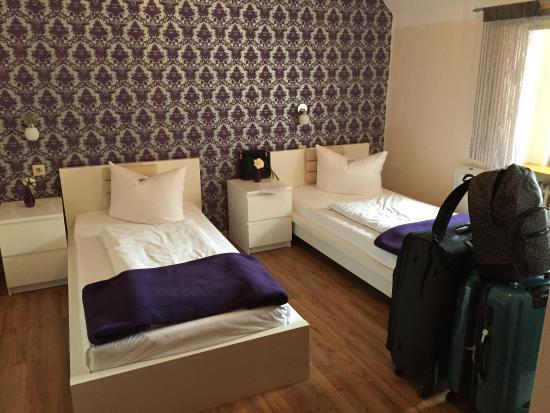 Hotel & Hostel Hallbergerhof: Номер