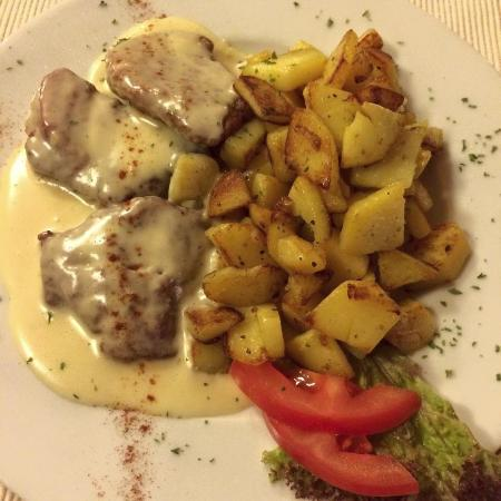 Andreas Stube: Pork cutlets with potatoes.
