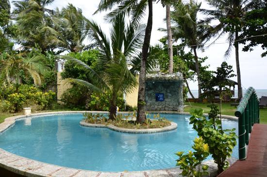 Paradise Bay Beach & Watersport Resort: 泳池