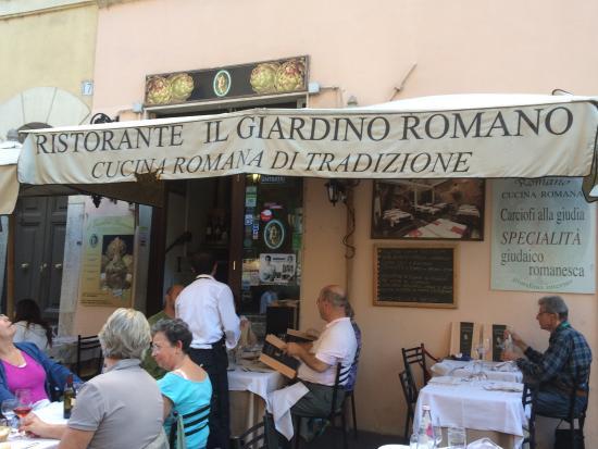 Restaurant in the jewish ghetto of rome bild von il giardino