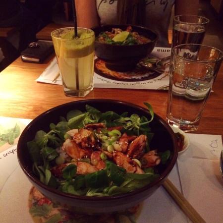 Teriyaki chicken donburi - Photo de Wagamama, Stockholm ...