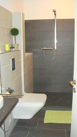 Salle de bain chambre jaune - Bild von Bed & Cloppenburg ...