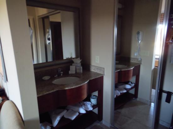 สมิทฟิลด์, โรดไอแลนด์: Bathroom