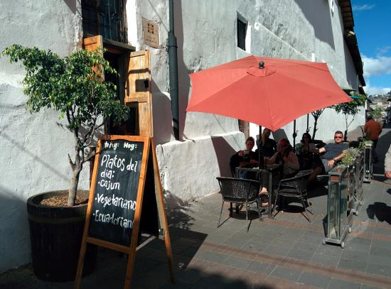Cafe Dios No Muere: The walk