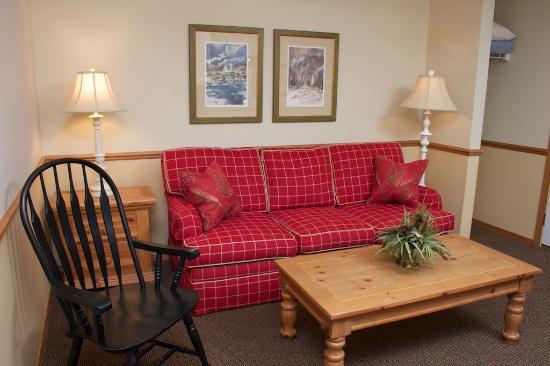 Bay Breeze Resort: King Suite