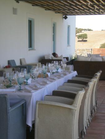 Herdade da Malhadinha Nova: Lunch on the patio