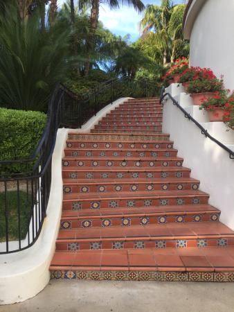Goleta, Kaliforniya: steps around the grounds