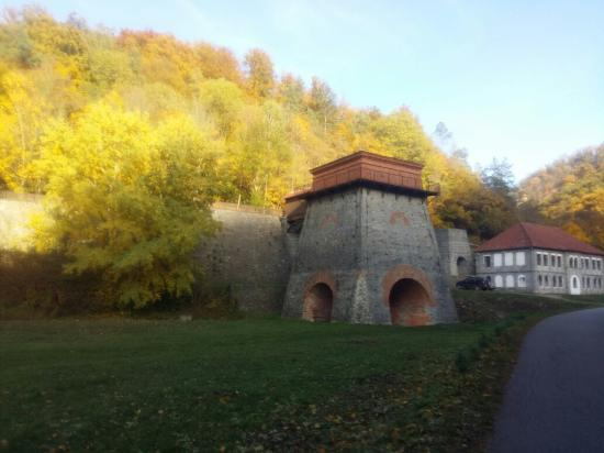 Stara Hut u Adamova